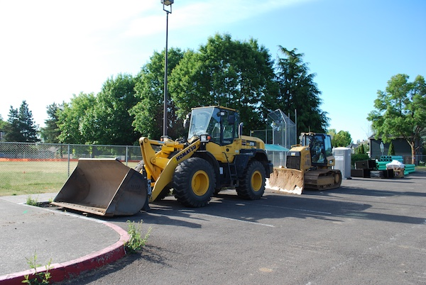 Equipment mobilized for Jackson dropoff project