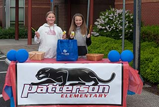 Patterson Students Welcoming Walk and Roll Participants