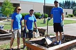 Intel Volunteers Beautify Hillsboro Schools